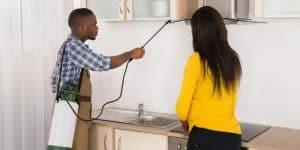 طريقة تنظيف المنزل بعد رش المبيدات